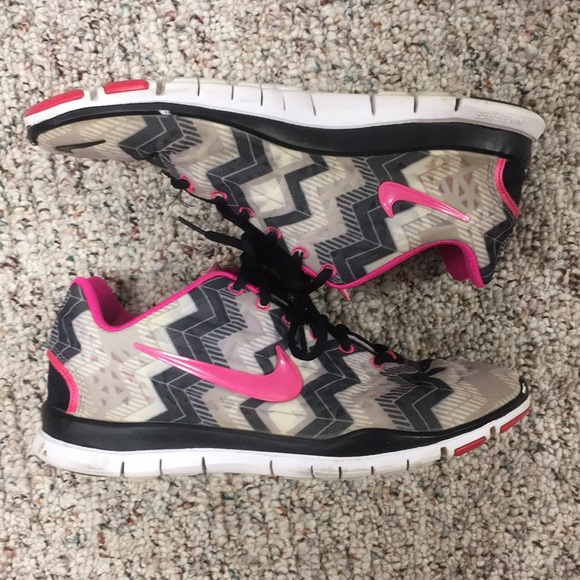 sale retailer 8df60 ee3ee Chevron Nike Free 5.0 women's shoes